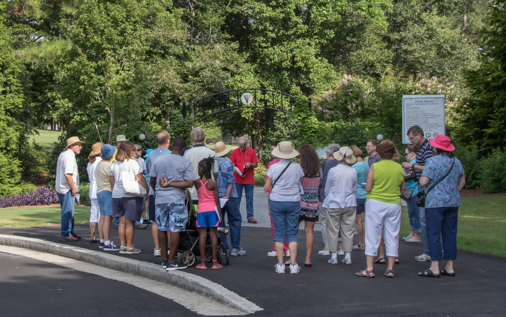 Visitors were briefed on Vines Park history and the key design components of an Asian Garden